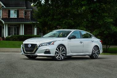 2019 Nissan Altima_Front_left