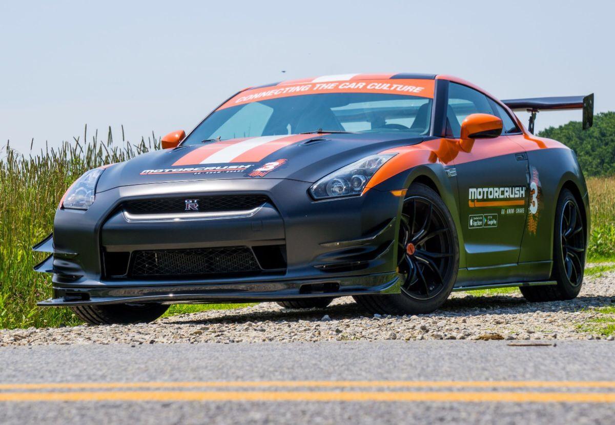 MotorCrush Nissan GT-R (1)